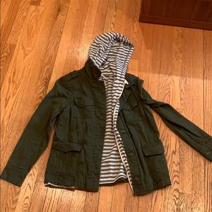 stripped hoodie / green cargo jacket